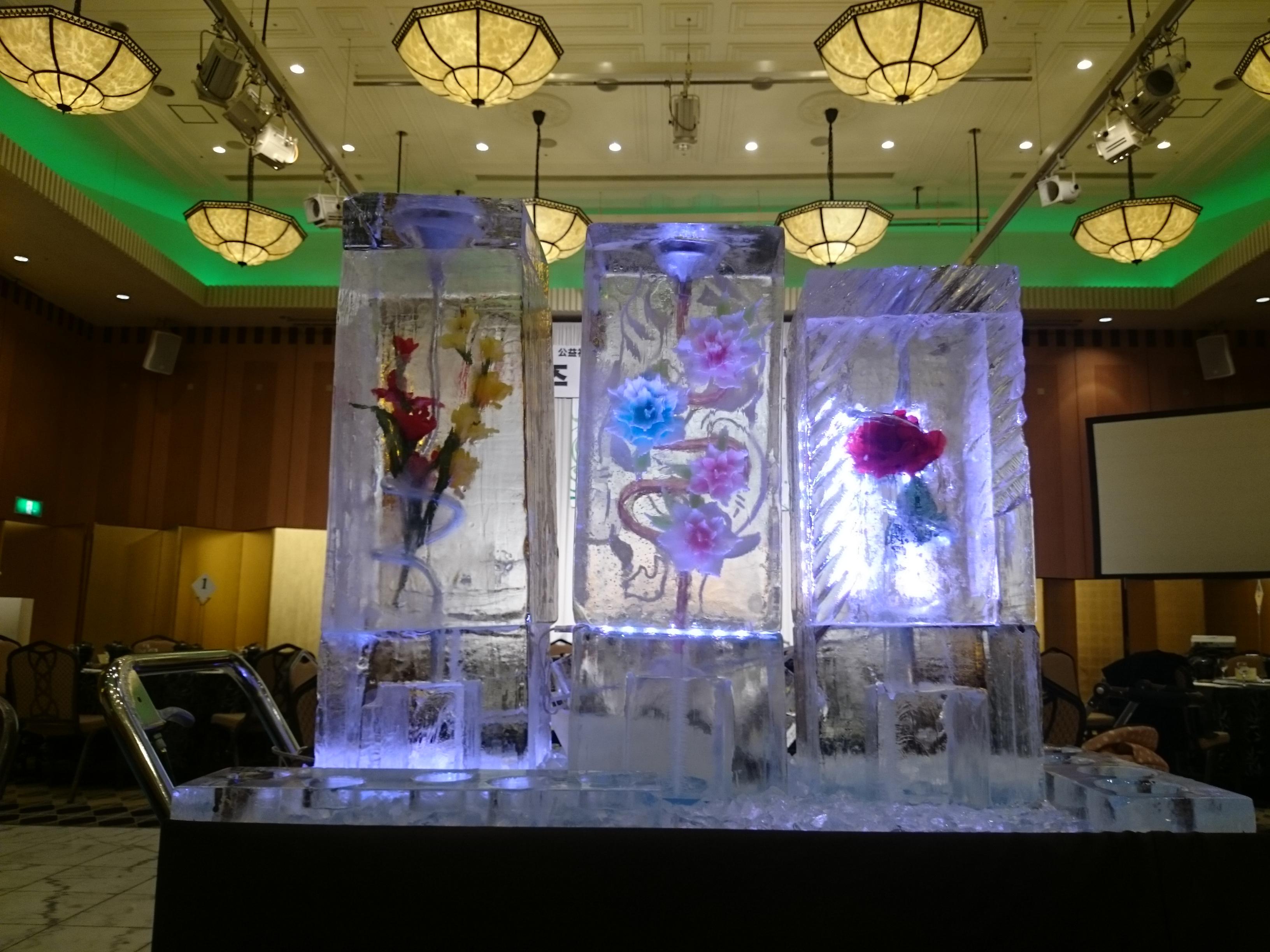 ドリンクアイスサーバー 遊ぶ氷の新商品!