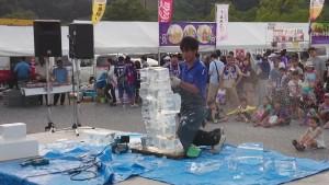氷彫刻実演ショー